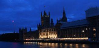 Μία τροπολογία για τους Ευρωπαίους πολίτες στο νομοσχέδιο της Συμφωνίας Αποχώρησης από την ΕΕ ενέκρινε η Βουλή των Λόρδων