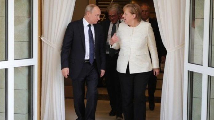 Συνάντηση Πούτιν-Μέρκελ στη Μόσχα