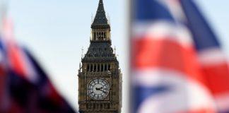 Το ΗΒ θα αρχίσει συνομιλίες για το εμπόριο με τις ΗΠΑ πριν τις διαπραγματεύσεις με την ΕΕ