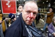 """Πέτσας: """"Καταδικάζουμε την επίθεση στον δημοσιογράφο"""""""