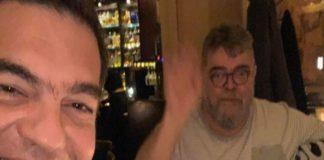 Τσίπρας – Κραουνάκης σε κοινή έξοδο «Εβίβα λοιπόν κοινοποιώ»