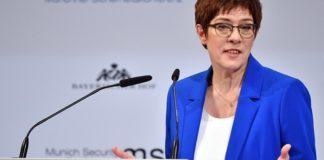 Άνεγκρετ Κραμπ-Καρενμπάουερ: Απαιτείται κοινή ευρωπαϊκή δράση στο Στενό του Χουρμούζ