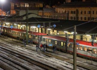 Αποκαταστάθηκε η σιδηροδρομική σύνδεση Αυστρίας- Ιταλίας.  Δύο ταξιδιώτισσες εξετάστηκαν για κοροναϊό
