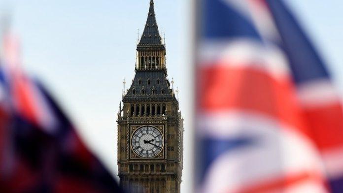 Brexit: Το Λονδίνο απειλεί να αποσυρθεί από τις διαπραγματεύσεις τον Ιούνιο