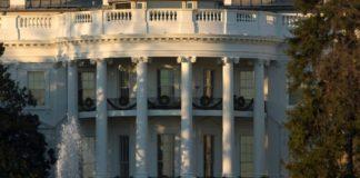 Διαψεύδει ο Λευκός Οίκος την πρόταση Τραμπ στον Ασάνζ για απονομή χάριτος