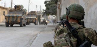 Δύο Τούρκοι στρατιώτες σκοτώθηκαν σε αεροπορικές επιδρομές στην επαρχία Ιντλίμπ