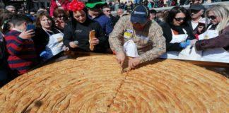 Έφτιαξαν το μεγαλύτερο κιχί στην αποκριάτικη Κοζάνη