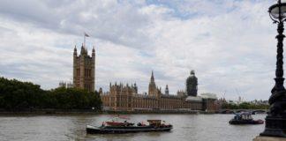 Ένας άνδρας μαχαιρώθηκε σε τέμενος στο βόρειο Λονδίνο