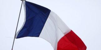Γαλλία: Παρατείνονται τα μέτρα για τον κορονοϊό