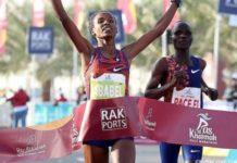 Η Αμπαμπέλ κατέρριψε το παγκόσμιο ρεκόρ Ημιμαραθωνίου
