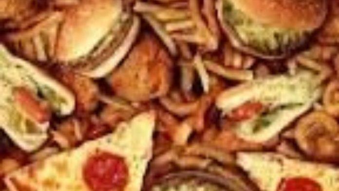 Η Παγκόσμια Τράπεζα προτρέπει τις φτωχές χώρες να φορολογήσουν τα παχυντικά τρόφιμα