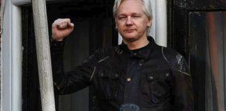 Η βρετανική δικαιοσύνη εξετάζει το αίτημα έκδοσης του Ασάνζ στις ΗΠΑ