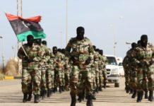 """Λιβύη: Τα δύο αντίπαλα στρατόπεδα ανακοινώνουν ότι """"αναστέλλουν"""" τη συμμετοχή τους στις συνομιλίες της Γενεύης"""