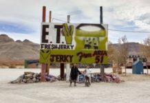 Moncler και Rick Owens σε περιοδεία με λεωφορείο στη Νεβάδα