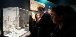 Στην τελετή εγκαινίων της έκθεσης του Εθνικού Αρχαιολογικού Μουσείου «Δι' αυτά πολεμήσαμεν… Αρχαιότητες και Ελληνική Επανάσταση» παρέστη ο πρωθυπουργός