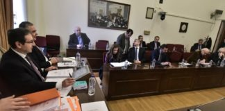 Προανακριτική: Βγαίνουν οι κουκούλες - Διαφωνεί ο ΣΥΡΙΖΑ