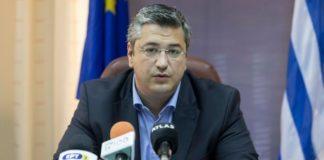 ΠΚΜ: Προσφέρει το μισό μισθό του ο Απ. Τζιτζικώστας