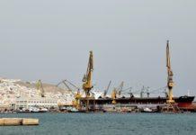 Αυστηρά μέτρα ελέγχου στα πλοία που προσεγγίζουν το ναυπηγείο του Νεωρίου