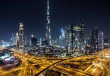 Covid-19: Στο Ντουμπάι, ένα ζευγάρι θα τρέξει μαραθώνιο... στο μπαλκόνι του