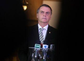 Ο Μπολσονάρου αψηφά τις συστάσεις για την πανδημία