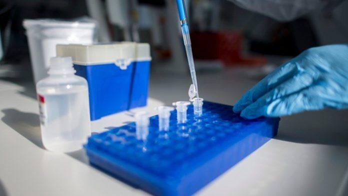 Σε 300 συμπτωματικούς ασθενείς η μελέτη για την κολχικίνη. Σ.Δευτεραίος: Σε ένα μήνα τα πρώτα αποτελέσματα