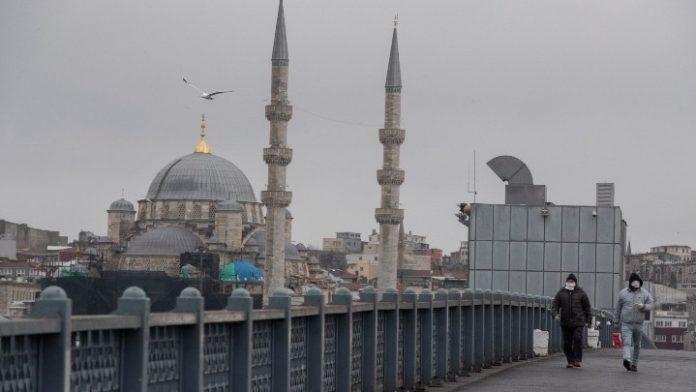Τουρκία-κορονοϊός: Οι αρχές περιορίζουν τις μεταφορές