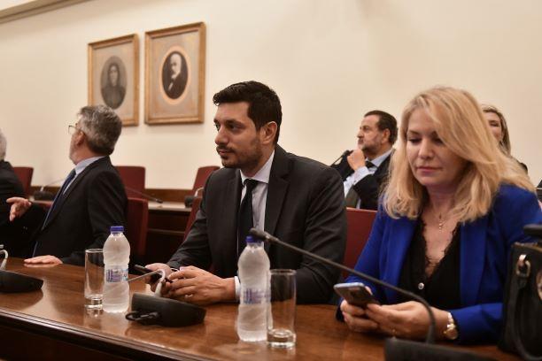 ΣΥΡΙΖΑ:Γελούσε κι ο Μπούγας με Κυρανάκη