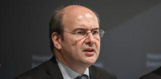 Χατζηδάκης: «Κανένα πρόβλημα με ρεύμα, φυσικό αέριο, καύσιμα» (vd)
