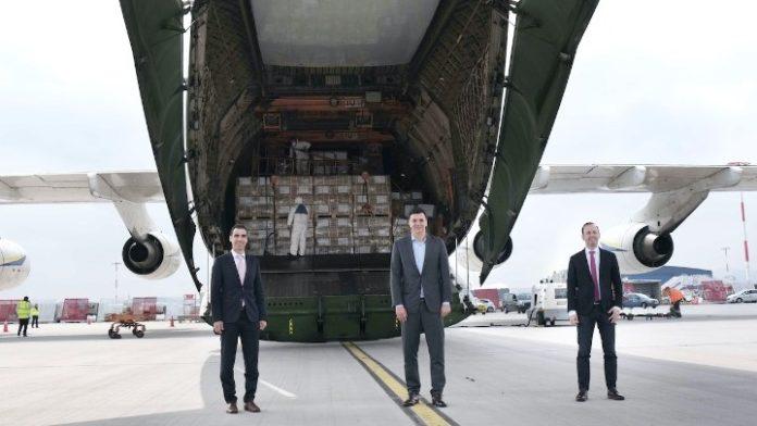 Β.Κικίλιας: Εξασφαλίσαμε άλλο ένα μεγάλο φορτίο υγειονομικού υλικού