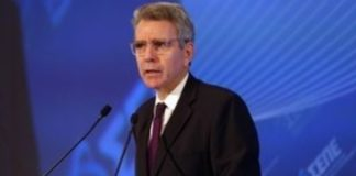 Τζέφρι Πάιατ: Η κυβέρνηση κινήθηκε αποτελεσματικά, έγκαιρα και νωρίτερα από άλλες ευρωπαϊκές κυβερνήσεις
