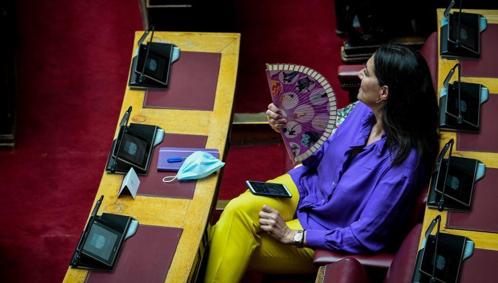 Η… διαφορετική Βουλή στις μέρες του κορονοϊού