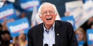 Μπέρνι Σάντερς: Εγκαταλείπει την κούρσα για το χρίσμα των Δημοκρατικών