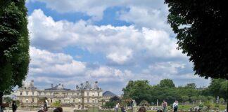 Παρίσι: Κοσμοσυρροή στα πάρκα μετά από 11 εβδομάδες