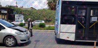 Θεσσαλονίκη: ΙΧ προσέκρουσε σε λεωφορείο του ΟΑΣΘ (pic)