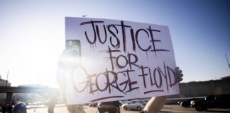 Καίγονται οι ΗΠΑ - Διαδηλώσεις για την δολοφονία Φλόιντ