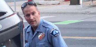 Συνελήφθη ο αστυνομικός που πατούσε στο λαιμό τον Τζορτζ Φλόιντ