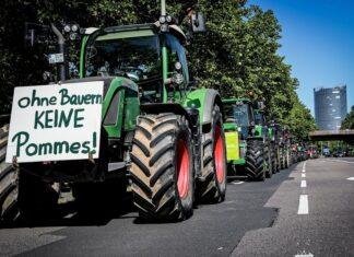 Γερμανία: Χιλιάδες τρακτέρ στους δρόμους (pic)