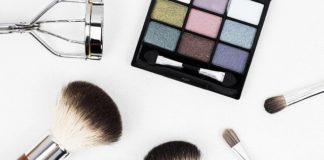 Πώς θα καθαρίσεις τα σφουγγαράκια του make-up σε λιγότερο από 3 λεπτά