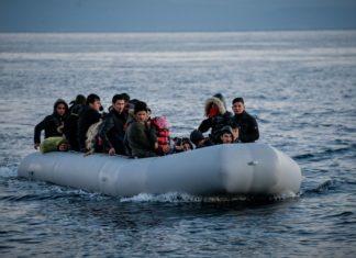Άφιξη βάρκας με 32 πρόσφυγες και μετανάστες στη Λέσβο