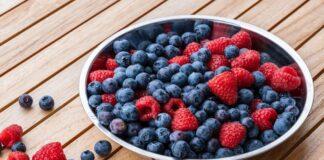 Είστε άνω των 50; Ποια φρούτα πρέπει να τρώτε τακτικά