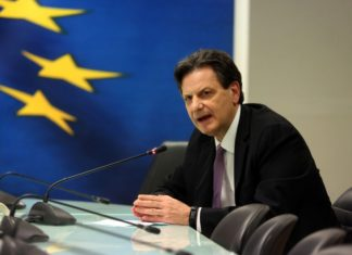 """Σκυλακάκης: """"Η Ευρώπη κάνει ένα μεγάλο βήμα που δεν έχει γυρισμό"""""""