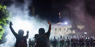 ΗΠΑ: Τέσσερις αστυνομικοί τραυματίστηκαν από σφαίρες στις ταραχές