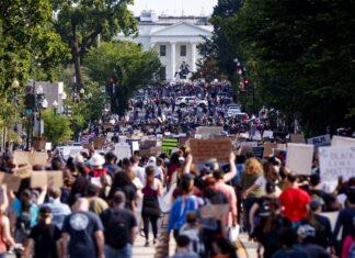 Συνεχίζονται οι αντιρατσιστικές διαδηλώσεις στην Ουάσινγκτον