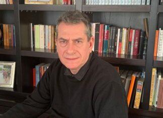 Παπαπανάγος: Αντιμέτωπη με τον εαυτό της η Αμερική