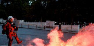 Αθήνα: Ένταση στην πορεία για τον Τζ. Φλόιντ