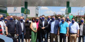 Είδη ατομικής προστασίας και υγιεινής στους οδηγούς ταξί παρέδωσε ο Τζιτζικώστας