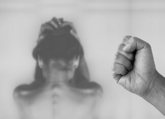 Αίγυπτος: Πα-τέρας υπέβαλε τις κόρες του σε κλειτοριδεκτομή