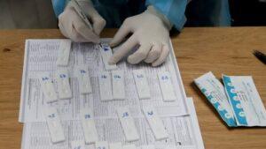 3.407 νέα κρούσματα, 34 θάνατοι, 347 διασωληνωμένοι, εκ των οποίων το 88,18% είναι ανεμβολίαστοι